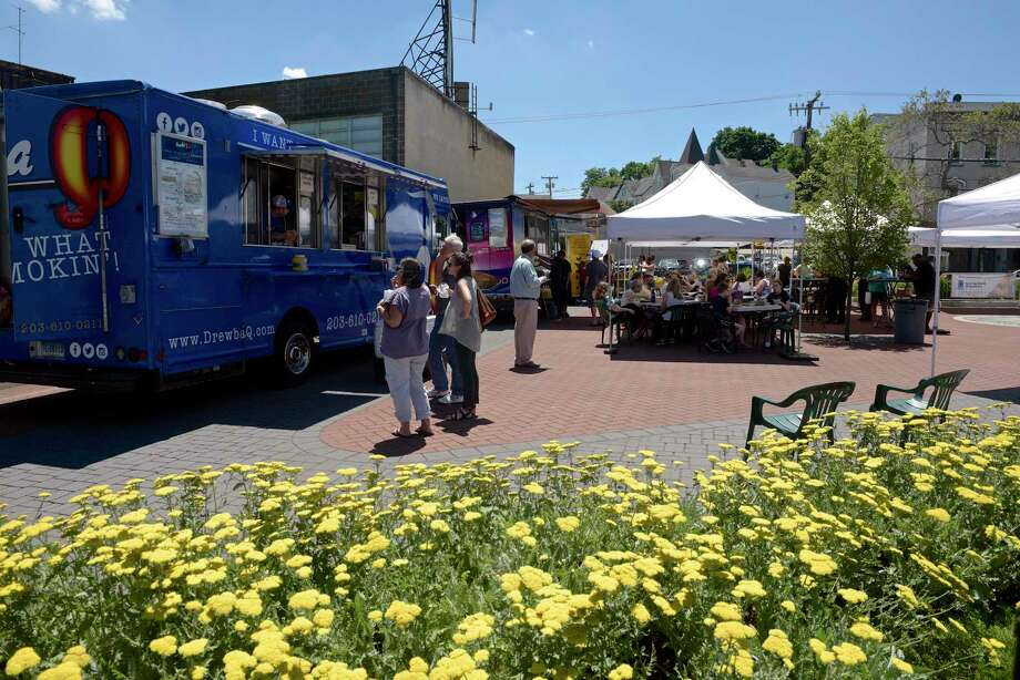 Food Truck Thursday at Kennedy Park in Danbury on June 27. New Milford is looking to create a food truck ordinance that would allow food trucks to be at area businesses in the town. Photo: H John Voorhees III / Hearst Connecticut Media / The News-Times