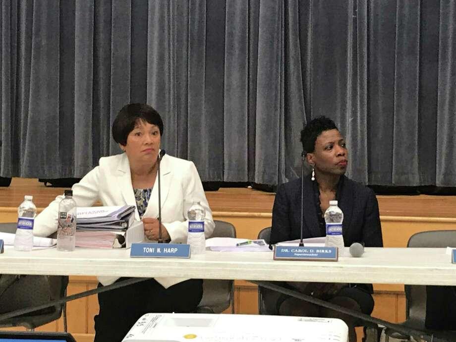 Mayor Toni Harp sits besides Superintendent of Schools Carol Birks at a July 8, 2019 Board of Education meeting. Photo: Brian Zahn/Hearst Connecticut Media