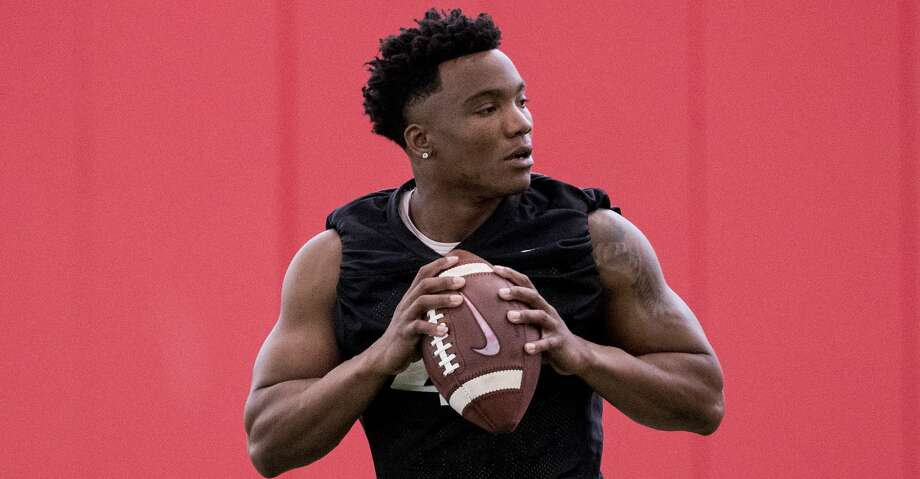 University of Houston quarterback D'Eriq King runs a drill during the first day of spring practice on Tuesday, March 19, 2019, in Houston. Photo: Brett Coomer/Staff Photographer
