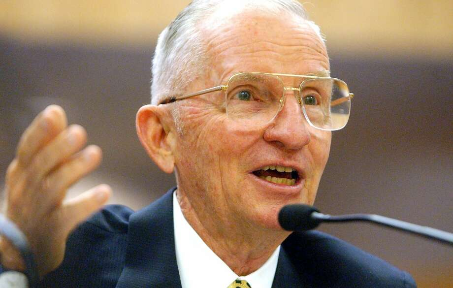 FILE - 9 JULY 2019: Former Presidential Candidate Billionaire Ross Perot, 89, has died of leukemia SACRAMENTO, CA - JULY 11: Former U.S. presidential candidate H. Ross Perot testifies before a California Senate committee July 11, 2002 in Sacramento, California. A California Senate committee is investigating the state's energy crisis and any role played by Perot Systems as well as power suppliers. Perot denied that his consulting company showed power suppliers how to manipulate California's energy market to drive up wholesale prices. (Photo by Justin Sullivan/Getty Images) Photo: Justin Sullivan / Getty Images