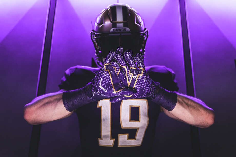 huge discount aa9dc 63bf9 UW, Adidas officially unveil new Husky football uniforms ...