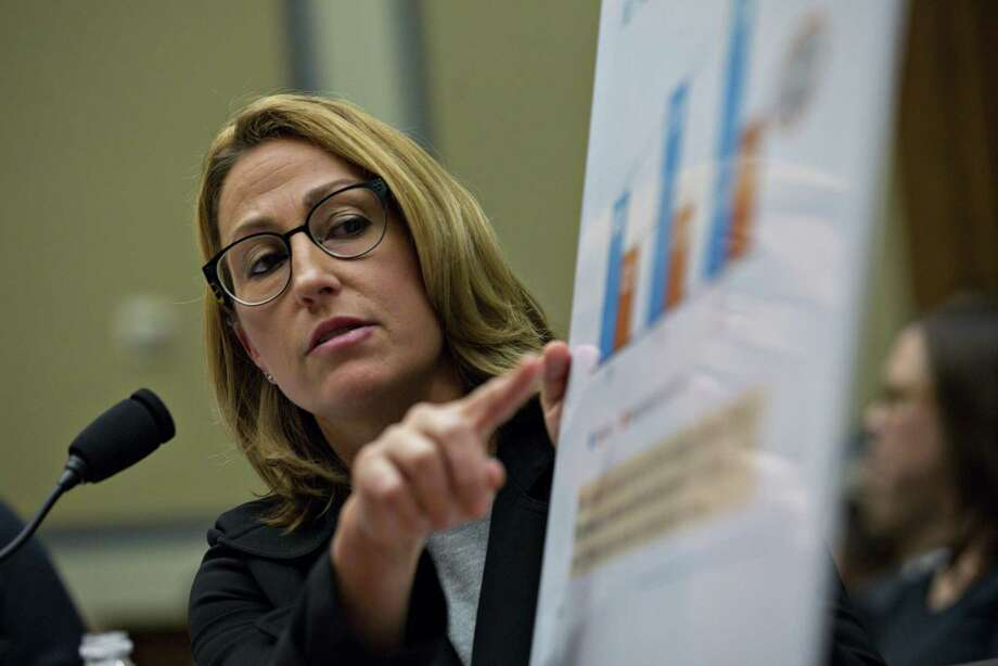 Myland CEO Heather Bresch during a House Oversight and Government Reform Committee hearing in Washington on Sept. 21, 2016. Photo: Bloomberg Photo By Andrew Harrer. / © 2016 Bloomberg Finance LP