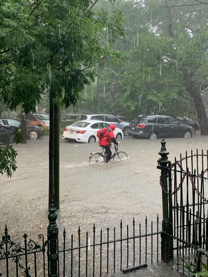 Photos show eerie scene as torrential rains flood New Orleans - SFGate