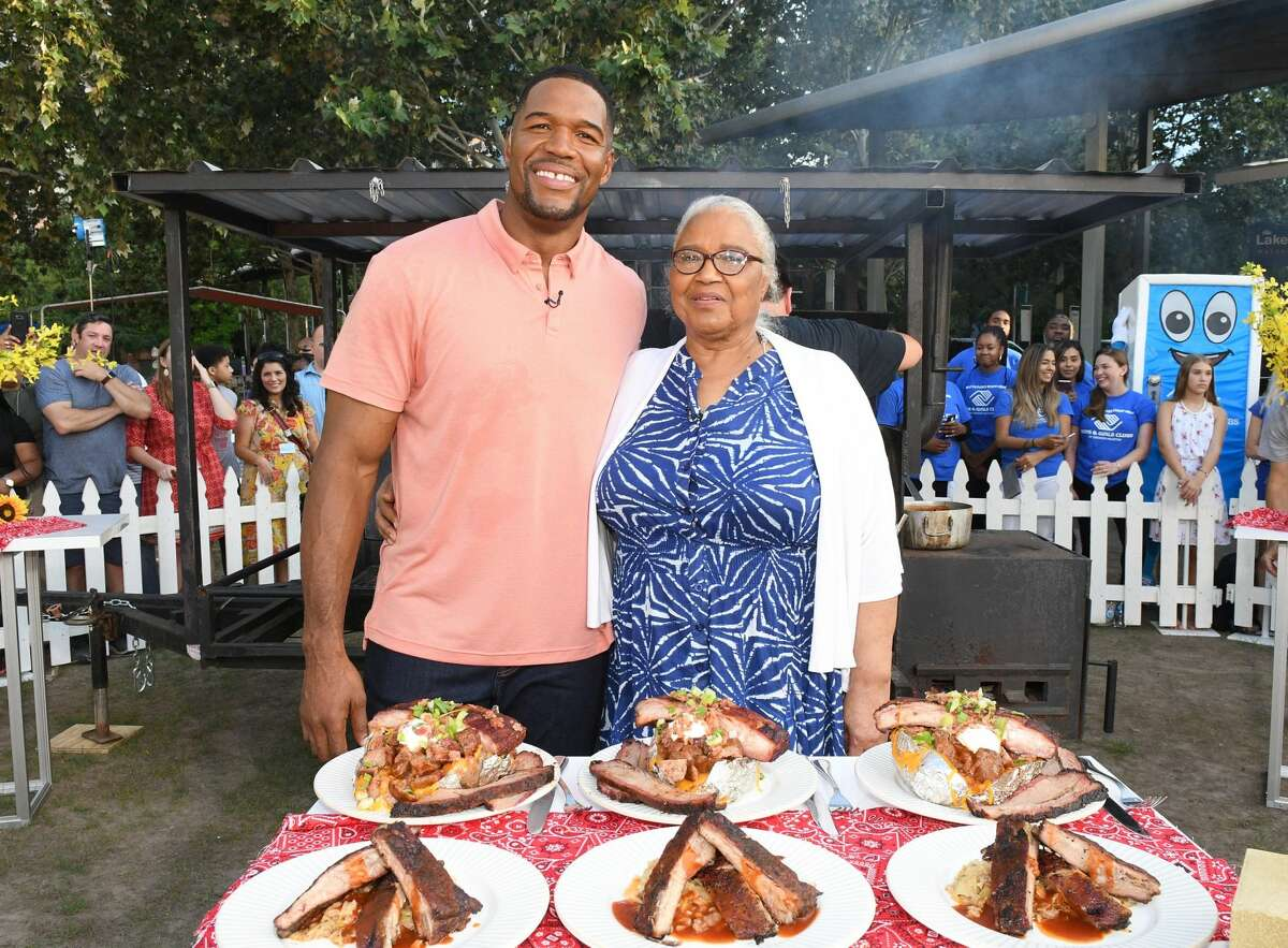 Chron.com: What was it like doing the show from Houston? Michael Strahan: It was great to be back in my hometown. The crowd was so enthusiastic and excited to have us there.Pictured: Michael Strahan and his mother, Louise Strahan, broadcast from downtown's Discovery Green.