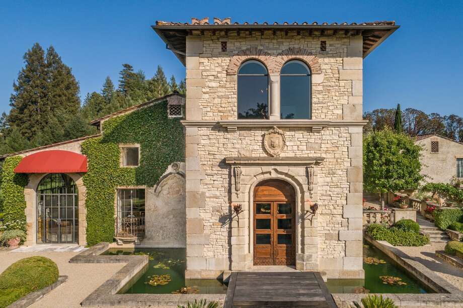A 15-minute drive from Calistoga in the Napa Valley, Villa Montana is a 500-acre estate with an Italianate villa, guest house, caretaker's cottage, and equestrian arena. 49ers legend Joe Montana, and his wife, Jennifer, built the home in 2003. Photo: Paul Rollins