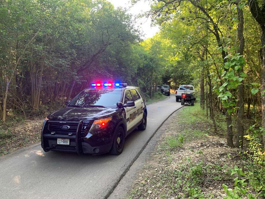 An unidentified body was found in a Northeast Side park Wednesday afternoon, San Antonio police said. Photo: Valeria Olivares, San Antonio Express-News