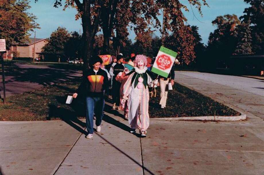 CROP participants walk 10 miles to end hunger in 1983. (Photo provided/Victor A. Atiemo-Obeng)