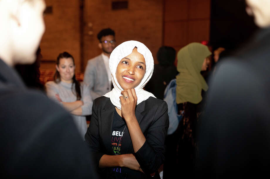 Rep. Ilhan Omar, D-Minn., with students at Richfield High School in Richfield, Minn., on May 28. Photo: Photo For The Washington Post By Jenn Ackerman / Ackerman + Gruber 2019