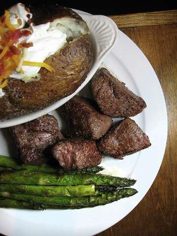 Review Rodeo Spirit Energizes Tejas Steakhouse In