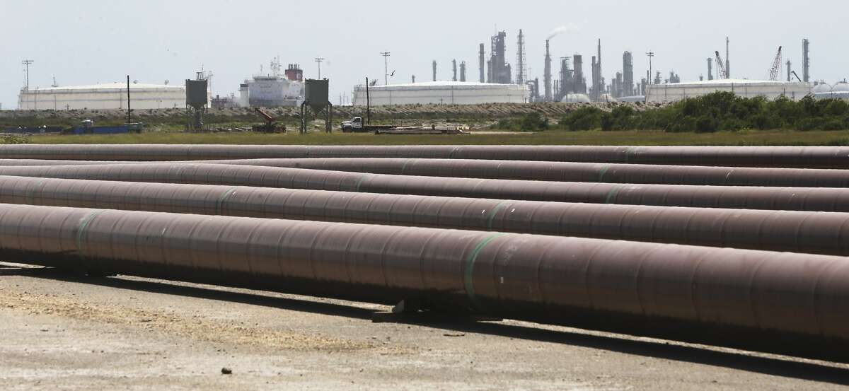 15,000 feet of 30-inch pipe will go under the Nueces Bay to transport oil to NuStar Energy storage facility in Corpus Christi.