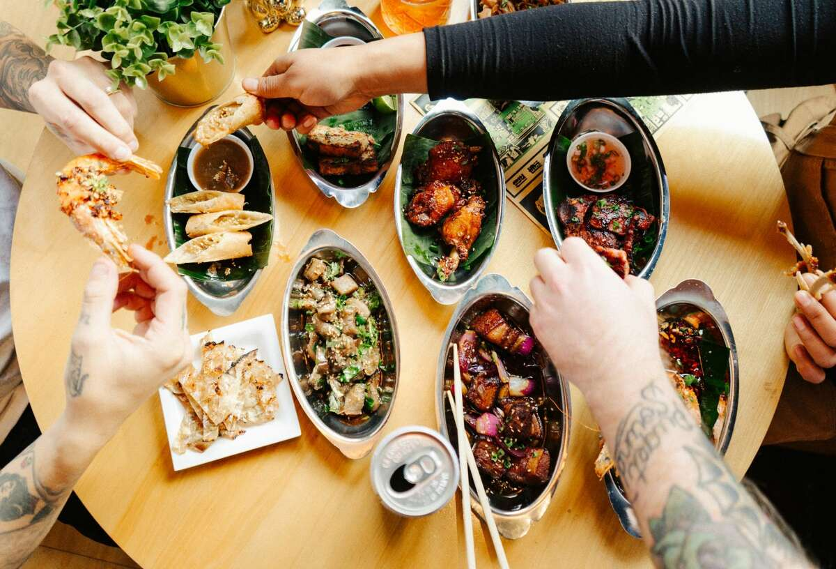 Keep clicking through the gallery to see 20 of our favorite deliverable bites around the Seattle area. >>>