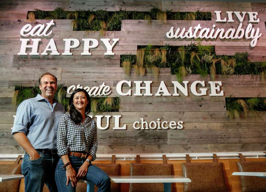 Mendocino Farms, co-founders Mario Del Pero and Ellen Chen, a husband and wife team, at their new restaurant in Rice Villiage. Houston is Mendocino Farms' first expansion outside of California.   Photo: Karen Warren, Staff Photographer / © 2019 Houston Chronicle