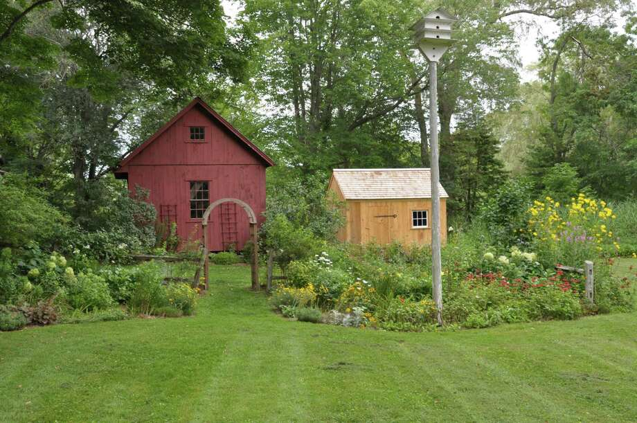 The Clinton Historical Society Garden Committee is seeking volunteers to help out on Tuesday mornings. Photo: Megan Stine And Clinton Historical Society / Contributed Photo