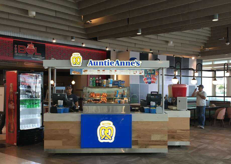 """Auntie Anne's: Two free medium drinks when you purchase any variety Pretzel Bucket. Offer only """"for a limited time."""" Located in Midland Park Mall. Super Bowl food deals and bargains >>> Photo: Phillip Pessar // Flickr"""