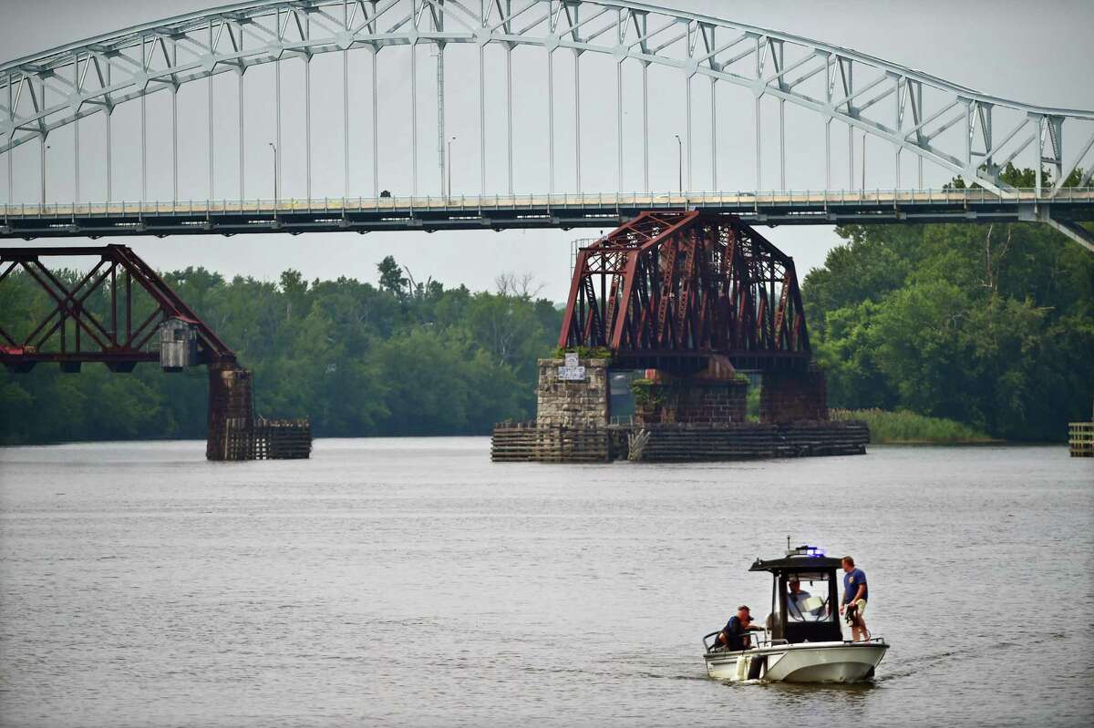 The Arrigoni Bridge over the Connecticut River connects Middletown and Portland.