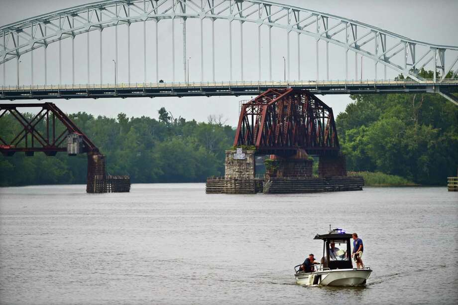 The Arrigoni Bridge over the Connecticut River connects Middletown and Portland. Photo: Hearst Connecticut Media File Photo / New Haven RegisterThe Middletown Press