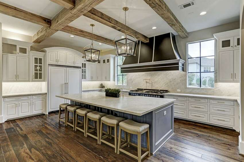 10. 12441 Pebblebrook DriveHouse sold: $2.9 million - 3.3 million 6,494 square feetListing agent: J. Carter Breed Properties - J. Carter Breed