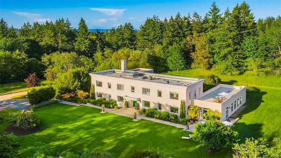 Once used as an office for the communications system of the Navy's North Pacific Fleet during World War II, this structure is now a modernized country home. Photo: Realtor.clom