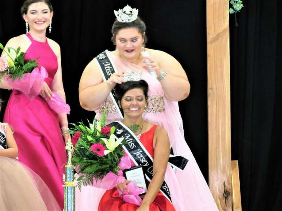 Miss Jersey County Fair Queen 2019 Sara Lamer is crowned. Photo: Dylan Suttles | Hearst Illinois