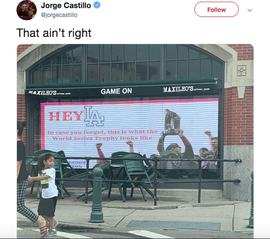 A sports bar outside Fenway Park trolled the Dodgers ahead of their World Series rematch. Photo: Twitter