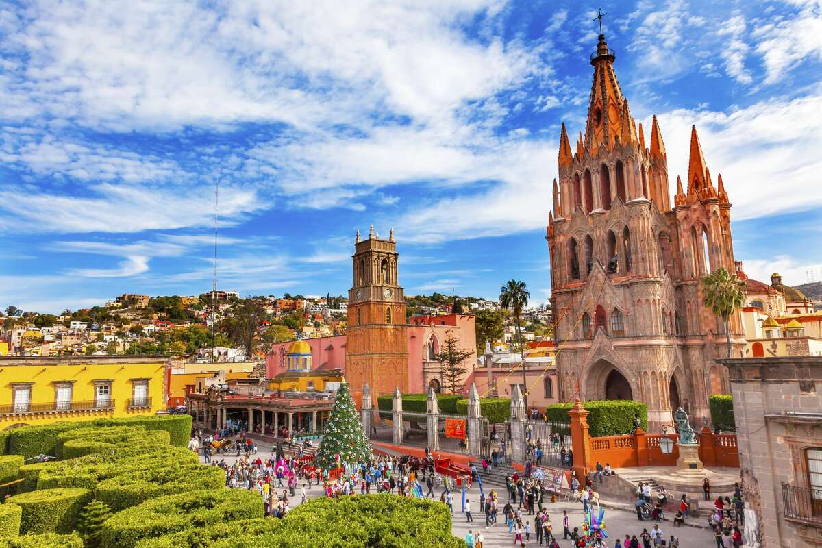 Parroquia Archangel church Jardin Town Square Rafael Chruch San Miguel de Allende, Mexico. The parroaguia was created in 1600s.