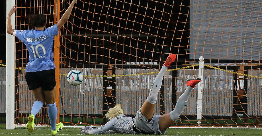 Houston Dash goalkeeper Jane Campbell (1) misses a shot by Chicago Red Stars forward Katie Johnson (33) during the first half of a NWSL game at BBVA Stadium on Saturday, July 13, 2019, in Houston. Photo: Yi-Chin Lee/Staff Photographer / © 2019 Houston Chronicle