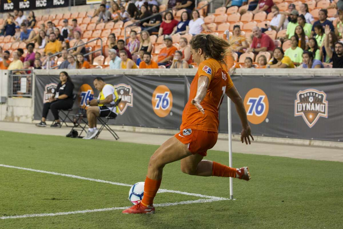 Houston Dash midfielder Sofia Huerta (11) takes a corner kick during the first half of a NWSL game against the Chicago Red Stars at BBVA Stadium on Saturday, July 13, 2019, in Houston.