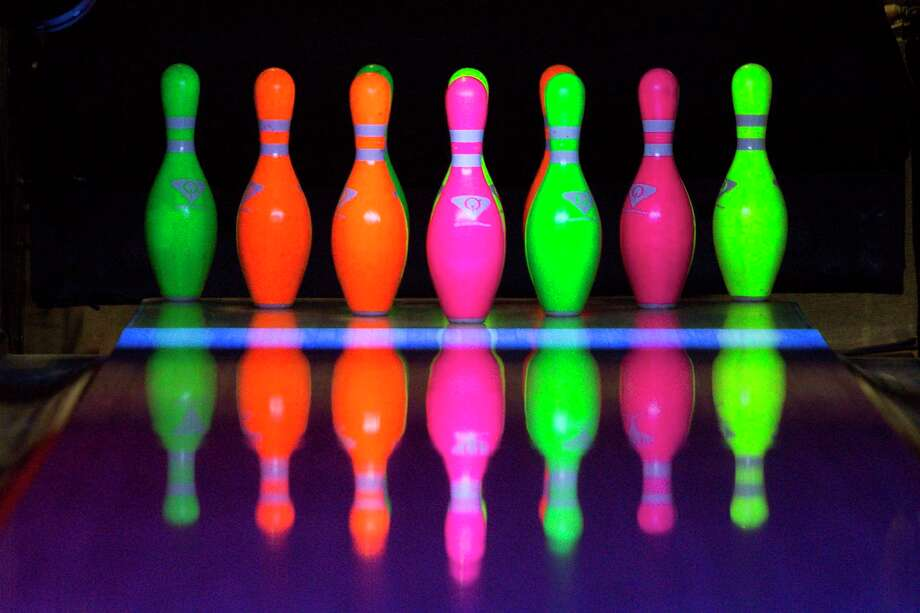 >>> Get an inside look at how a bowling alley works ... Photo: Juan Figueroa, Staff Photographer / © 2019 Juan Figueroa / Houston Chronicle