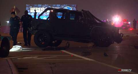 Man dies after being ejected from Jeep in rollover crash on Katy