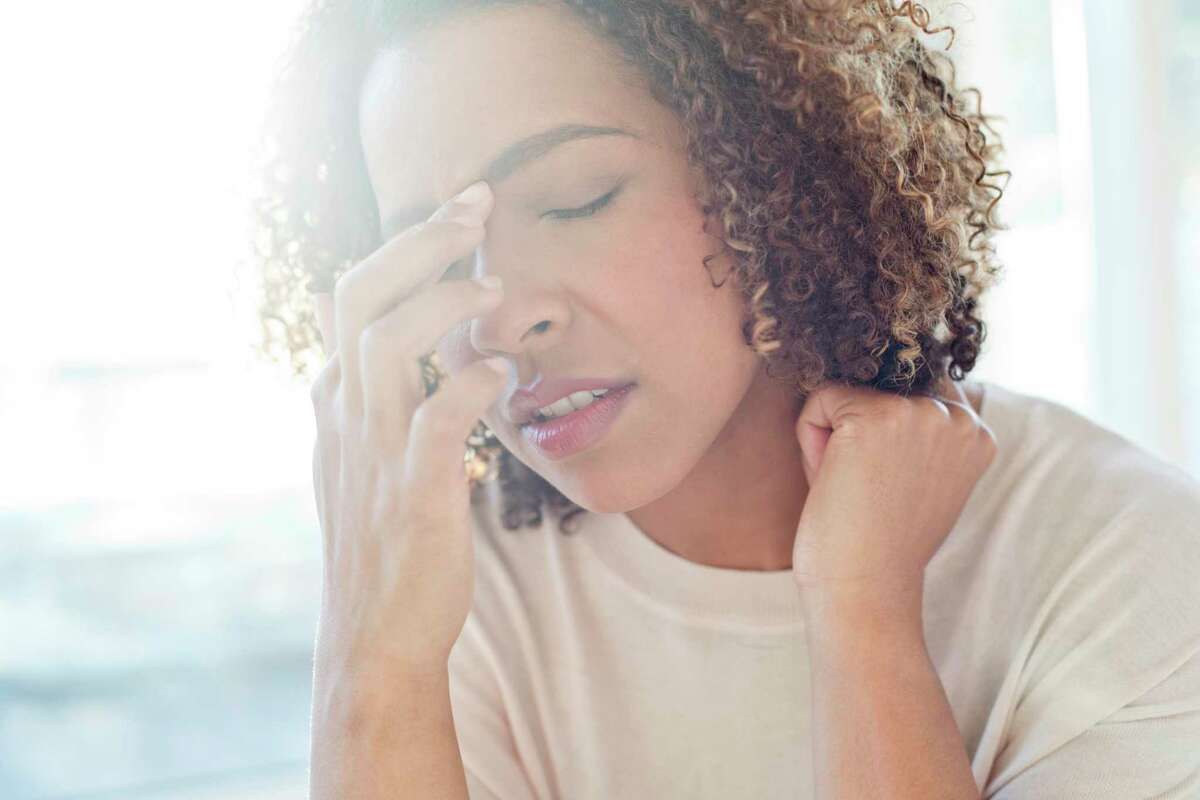 Stressmanifests in the triangle of tension: the forehead, jaw and shoulders.