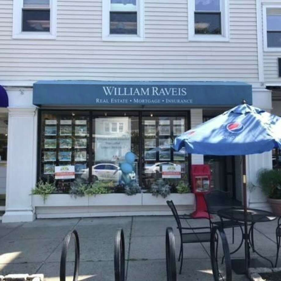 The William Raveis office located at 410 Main St. in Ridgefield has closed. Photo: Contributed Photo / Contributed / The News-Times Contributed