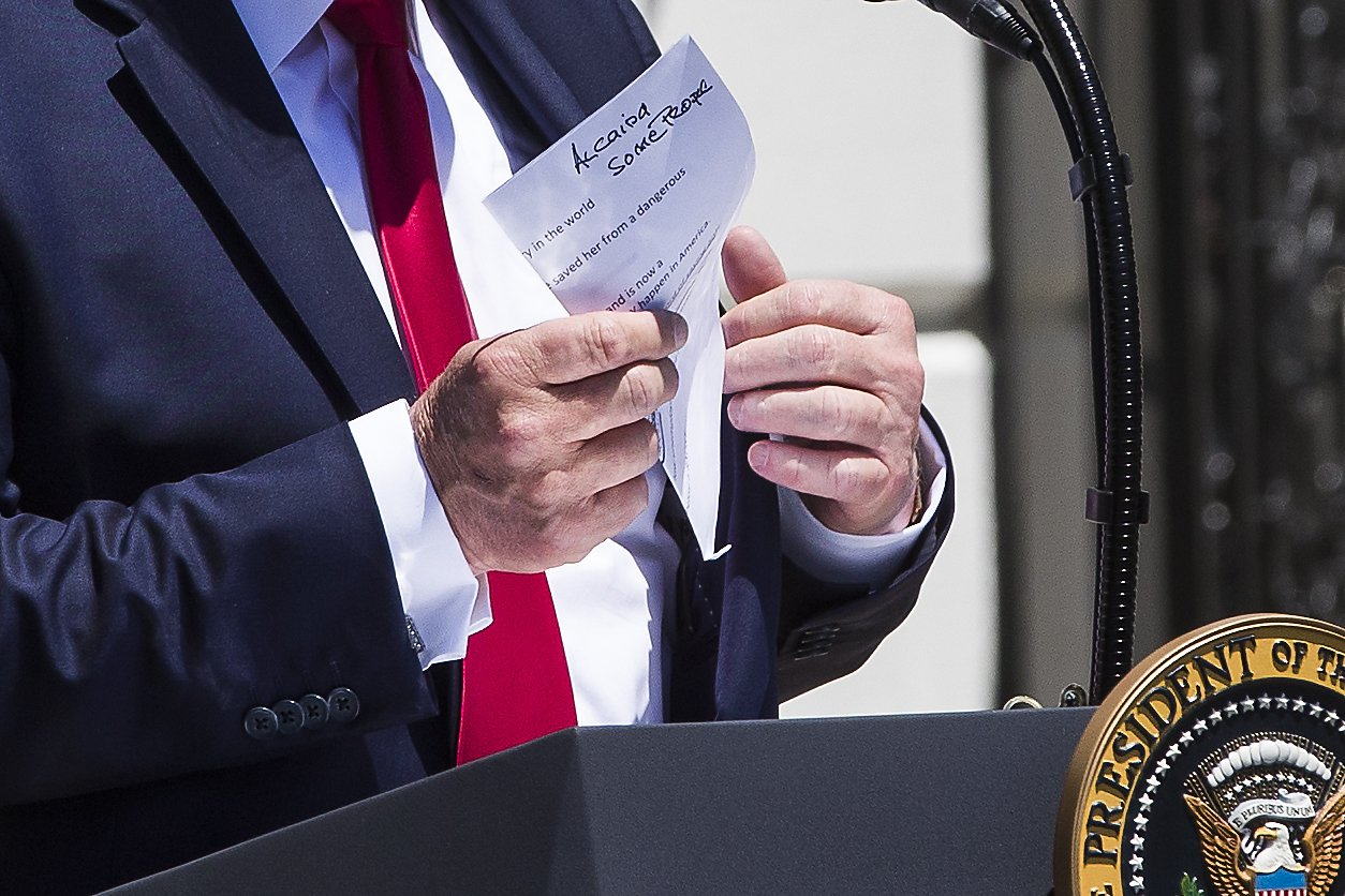 Photographer magnifies pictures, reveals Trump's notes from off-the-rails press conference