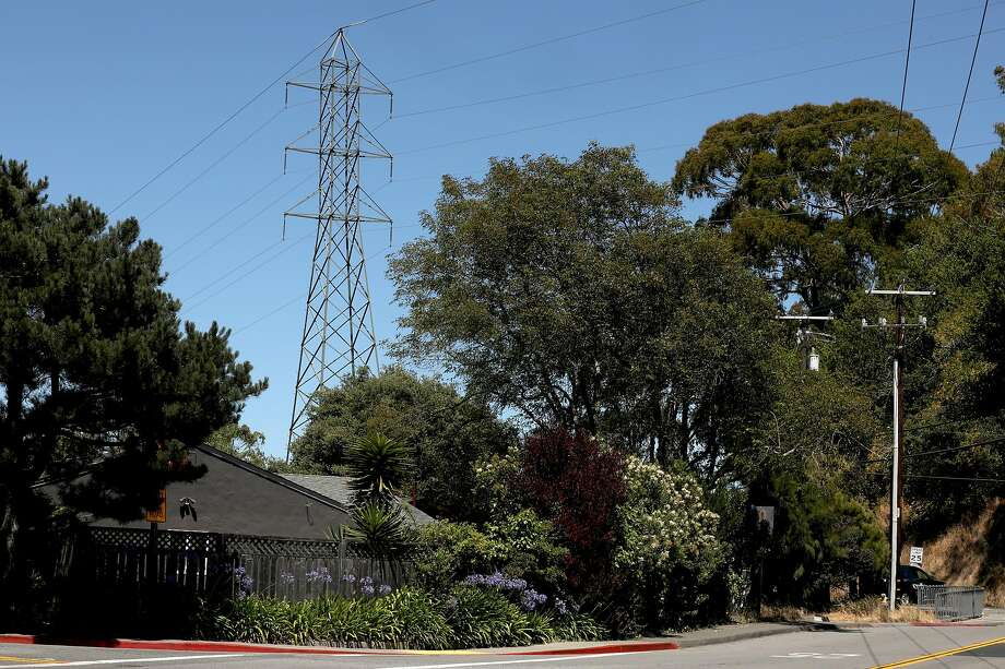 A power line in Mill Valley. Photo: Liz Hafalia / The Chronicle
