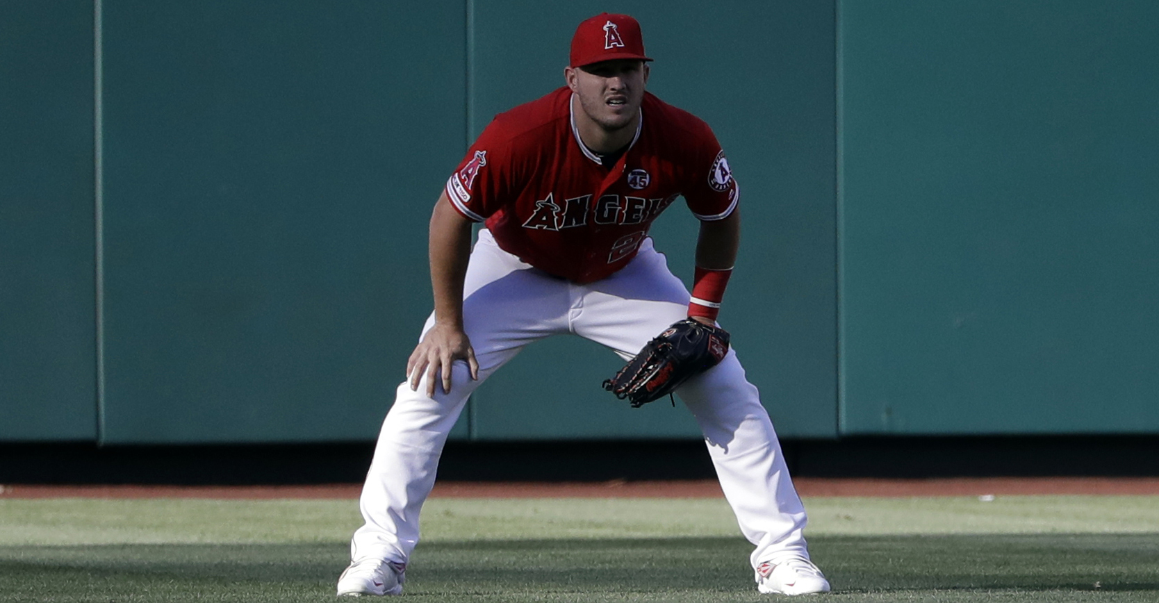 Mike Trout misses Astros-Angels game with injury