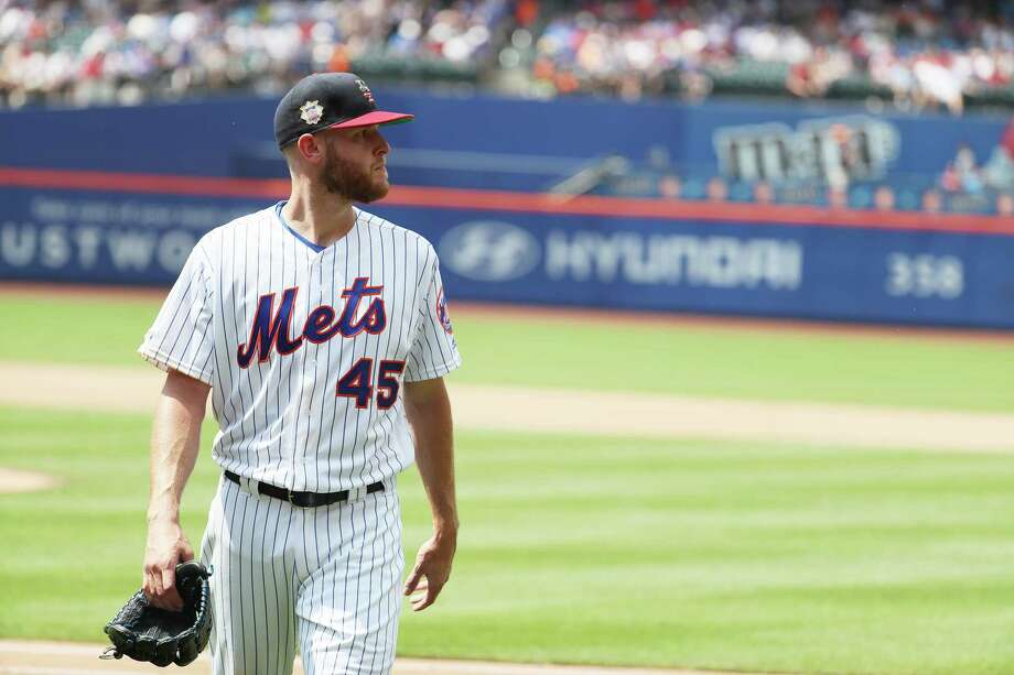 NEW YORK, NEW YORK - JULY 07:  Zack Wheeler #45 of the New York Mets is taken out of the game in the sixth inning by Manager Mickey Callaway #36 during their game against the Philadelphia Phillies at Citi Field on July 07, 2019 in New York City. (Photo by Al Bello/Getty Images) Photo: Al Bello / 2019 Getty Images