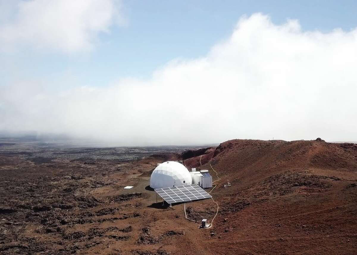 See inside a moon simulator here on Earth This is HI-SEAS, Hawaii Space Exploration Analog and Simulation, a white dome situated on the top of Mauna Loa on the Big Island of Hawaii. It's used to help prepare would-be astronauts for life on the moon or Mars.