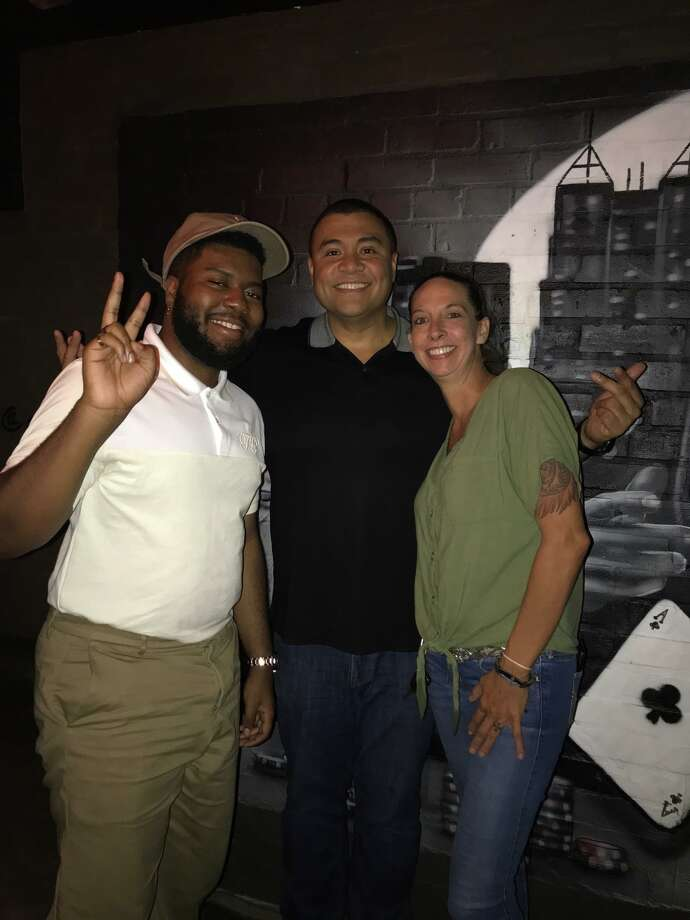 Khalid Shows Up At San Antonio S Smoke Bbq Restaurant For