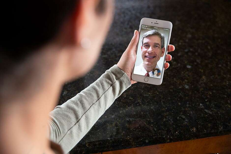 Drug store giants vie for patients in telemedicine market