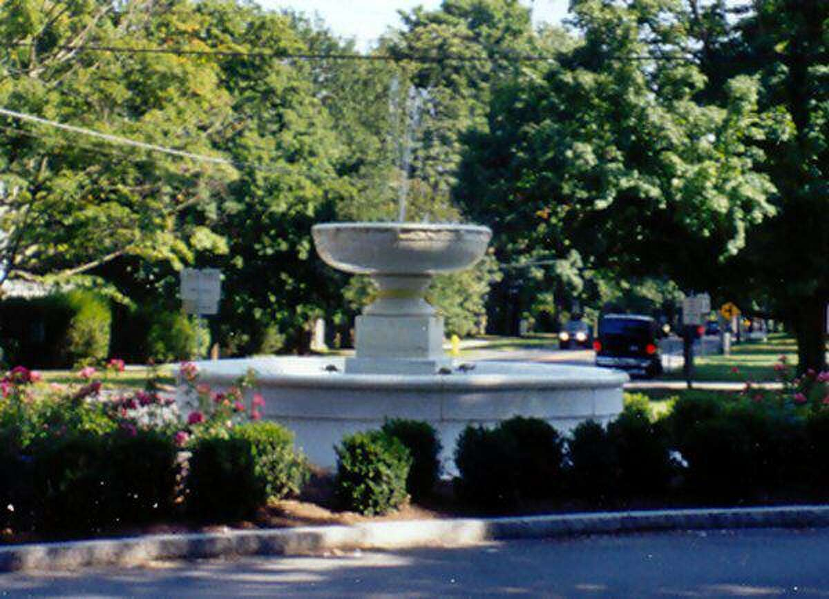 The Ridgefield fountain after the 2000 or 2001 restoration