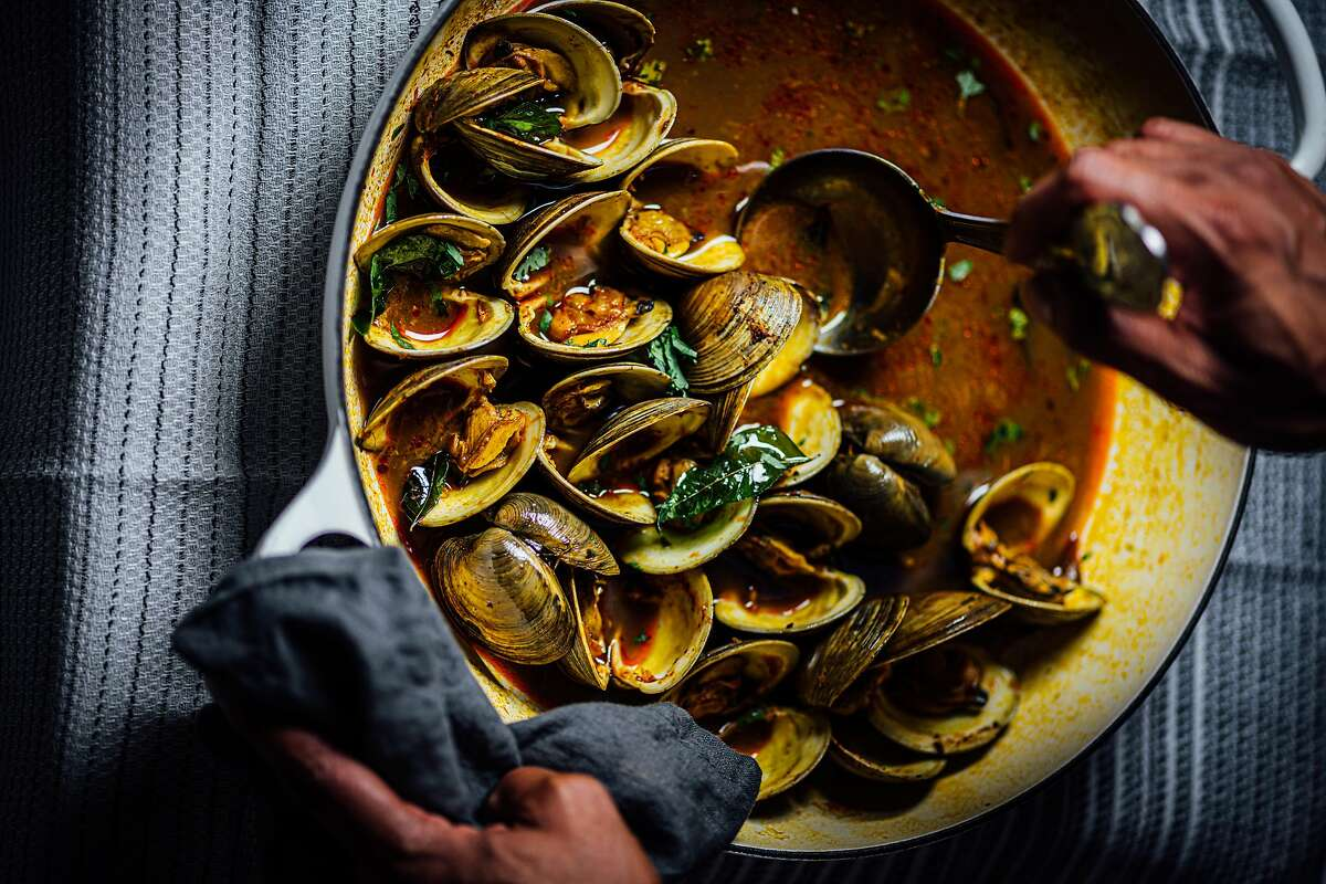 Clams in Curry Leaf Tomato Broth
