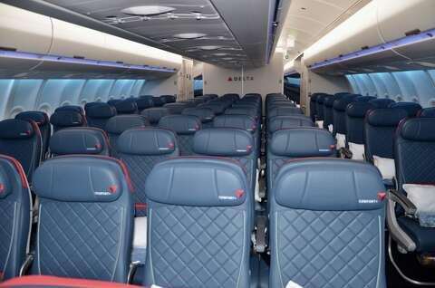 Delta's newest jet is set for West Coast routes [PHOTOS
