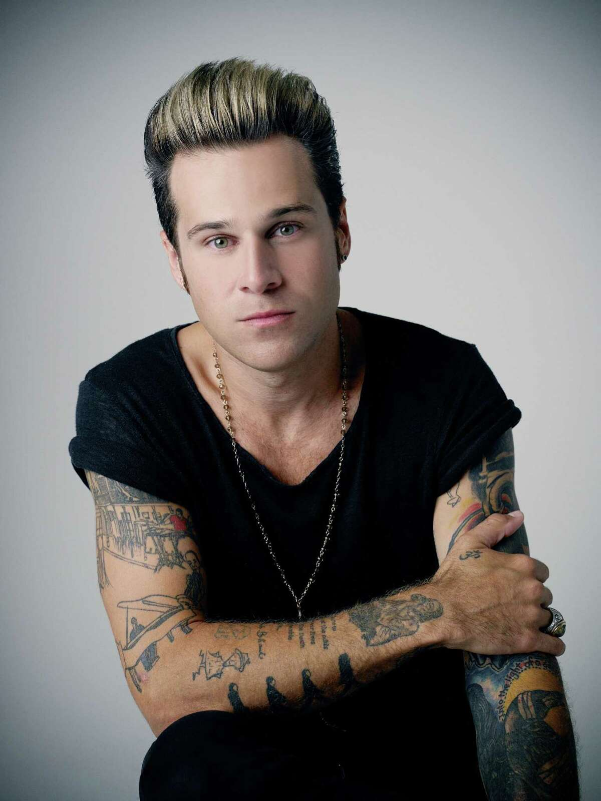 Ryan Cabrera will be among the artists performing when The Pop 2000 Tour, hosted by Lance Bass of *NSYNC, comes to Stamford's Columbus Park as part of the city's Alive@Five music series on July 25. Also performing will be O-Town, Aaron Carter and Tyler Hilton.