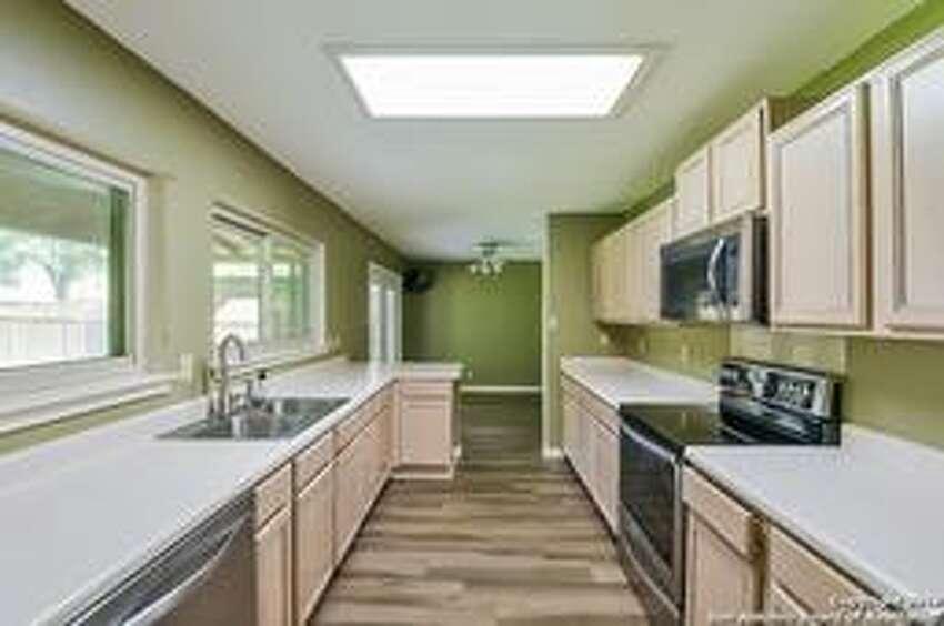 17431 Emerald Canyon Dr San Antonio, TX 78232: $241,000 4 beds| 2 full baths | 2,334 sq. ft.| Year built: 1995