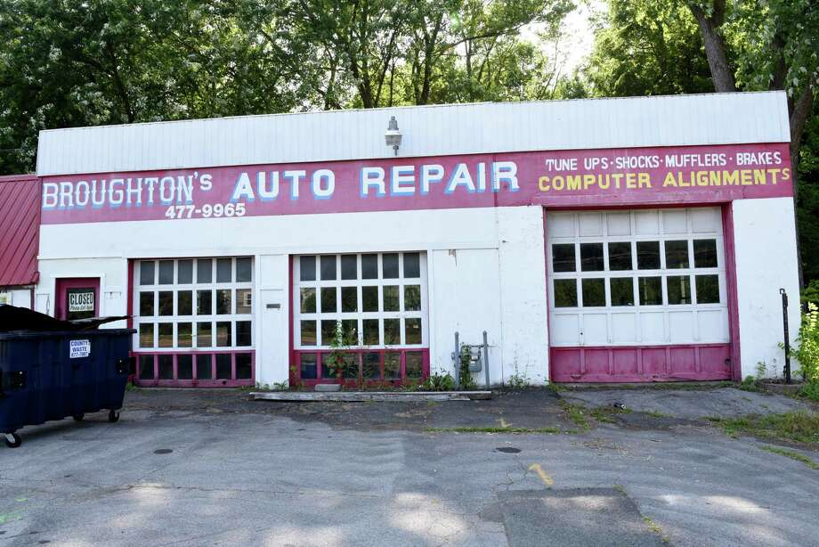 Exterior of closed Broughton's Auto Repair on Columbia Turnpike on Tuesday, July 16, 2019 in Castleton N.Y. Stewart's Shops wants to buy the property and an adjoining medical office to make way for a new gas station and convenience store. (Lori Van Buren/Times Union) Photo: Lori Van Buren, Albany Times Union / 40047478A