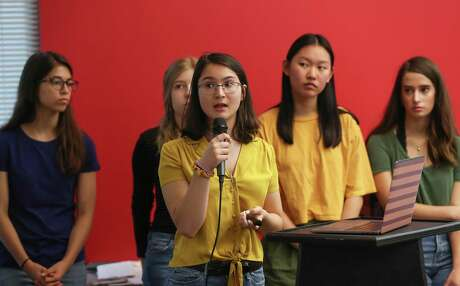 When the  Sunrise Movement , a youth-led political organization making climate change an urgent priority in the United States, hosted a Houston  town hall , organizers were pleasantly surprised to welcome nearly 100 adults.