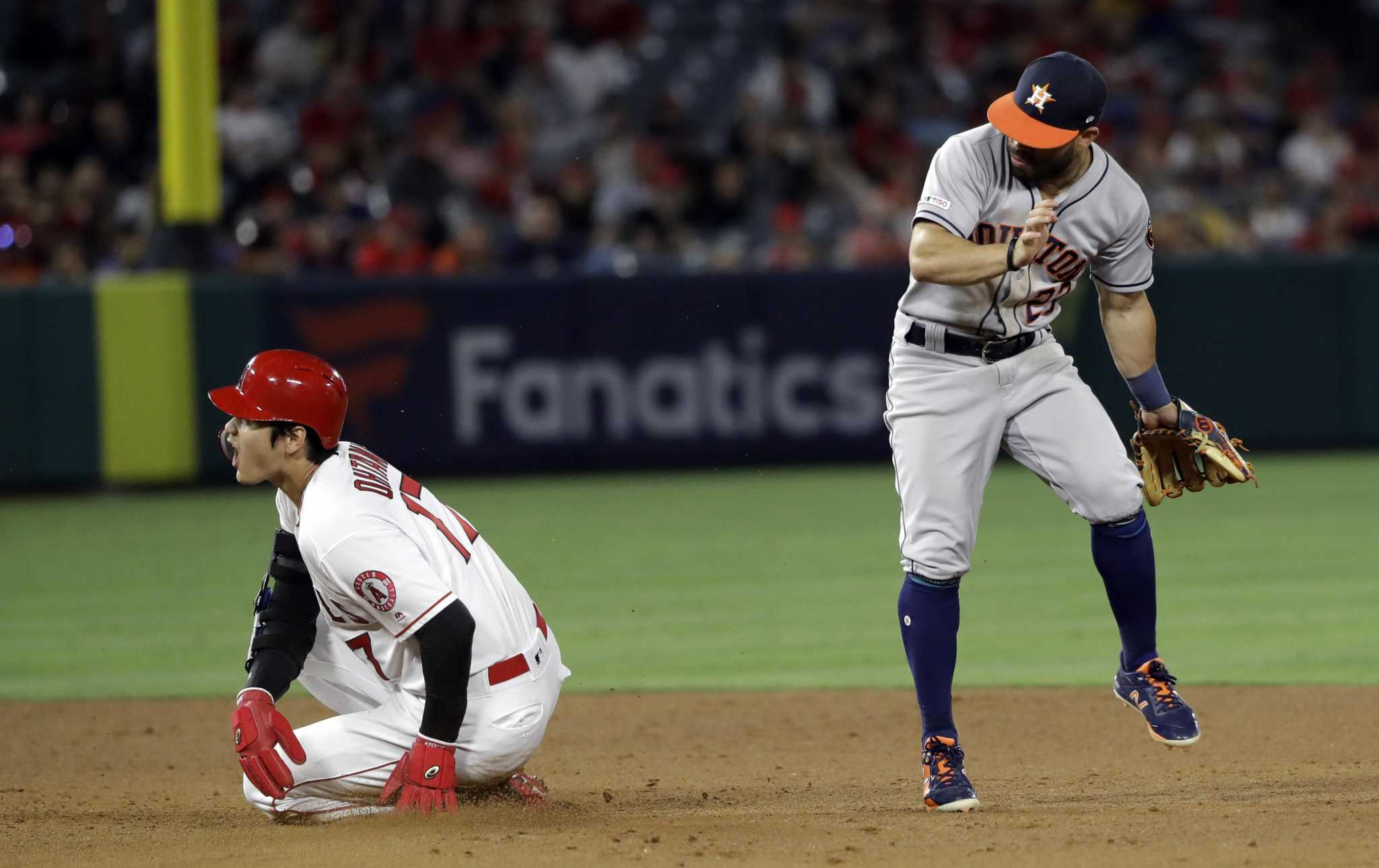 Misplay display part of trying stretch for Astros