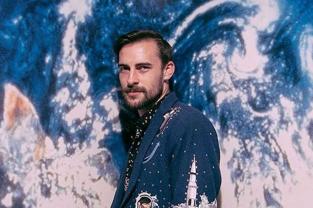 "Robert Ellis released a cover of the '60s standard ""Everyone's Gone to the Moon."""
