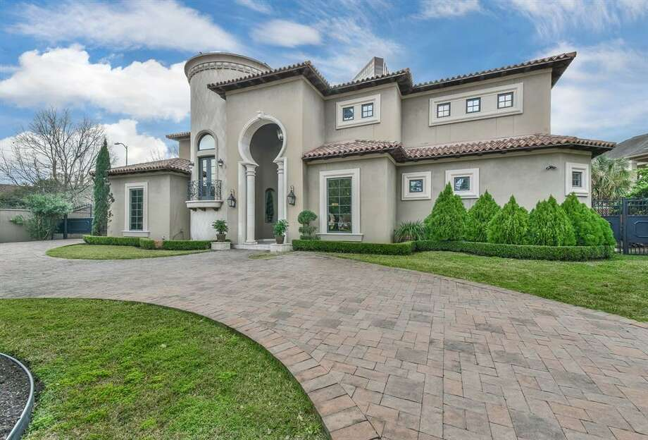 Tanglewood:1670 Tanglewood Rent per month: $18,000 Square footage:6,966 Photo: Houston Association Of Realtors