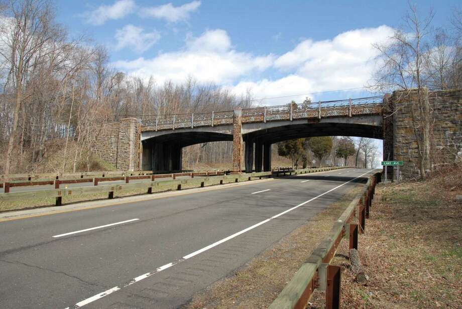 The Lake Avenue bridge over the Merritt Parkway will be replaced this summer and that will cause a lengthy closure and detour through the backcountry of Greenwich. Photo: Connecticut Department Of Transportation