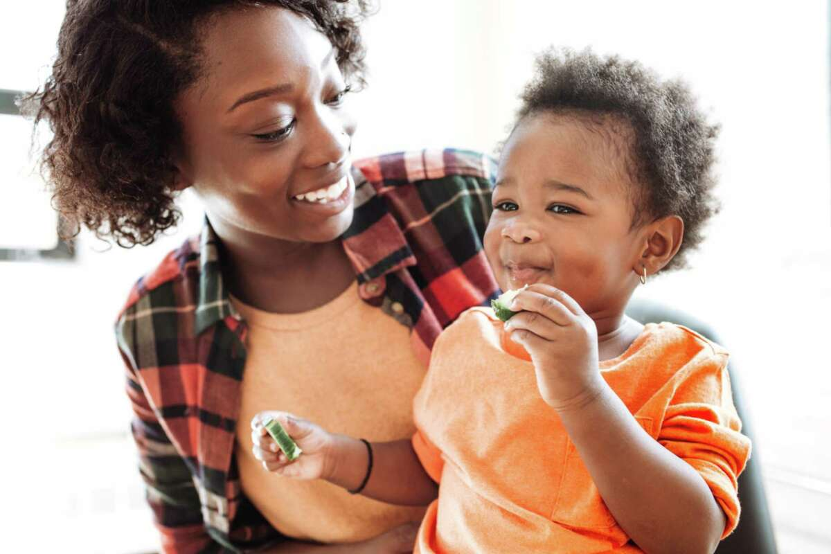Parents can help todllers make healthy choices when it comes to nutrition.